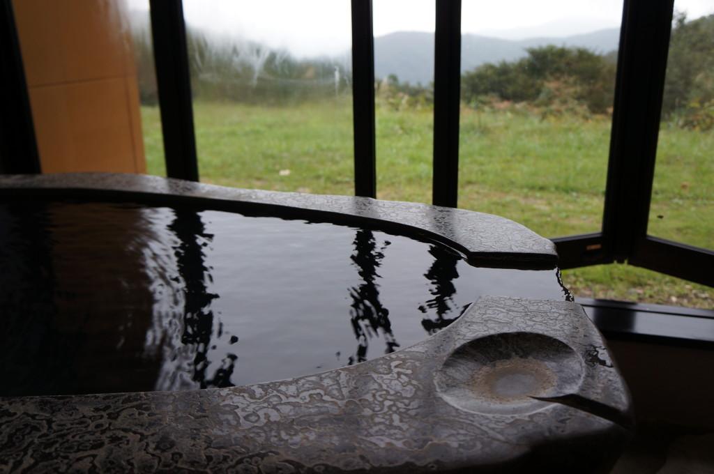 観山聴月客室露天風呂