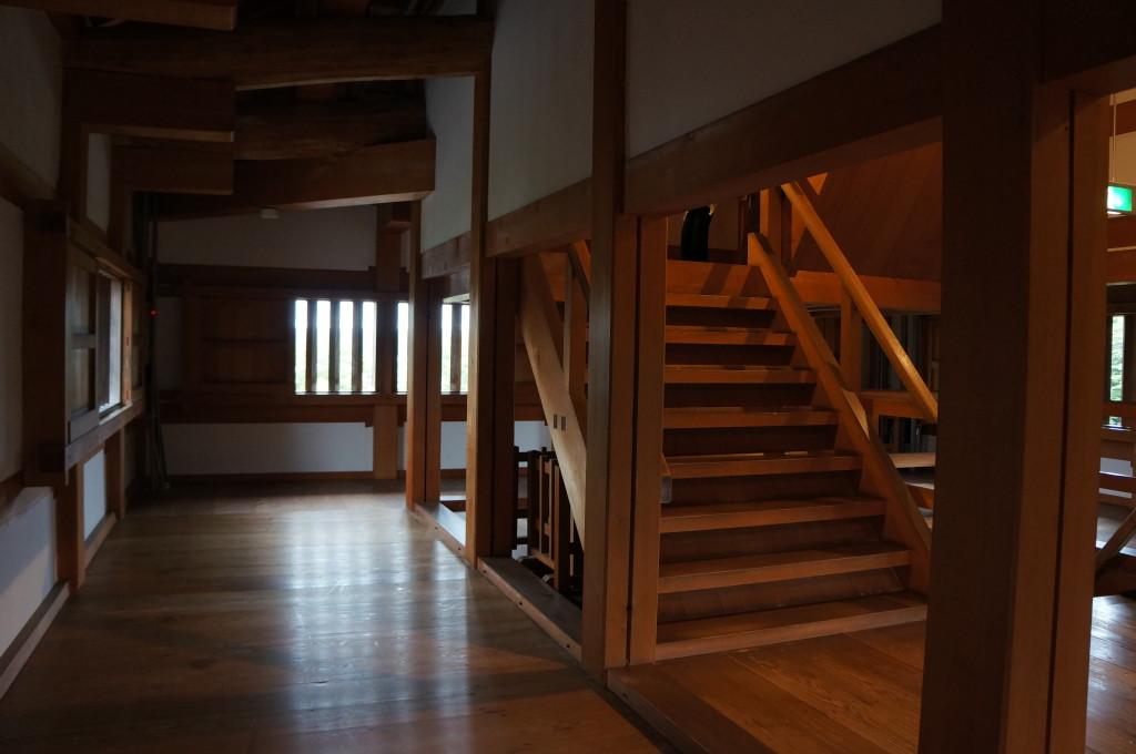 白石城天守閣の階段