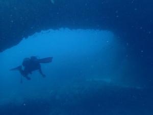 海底のメガネ岩