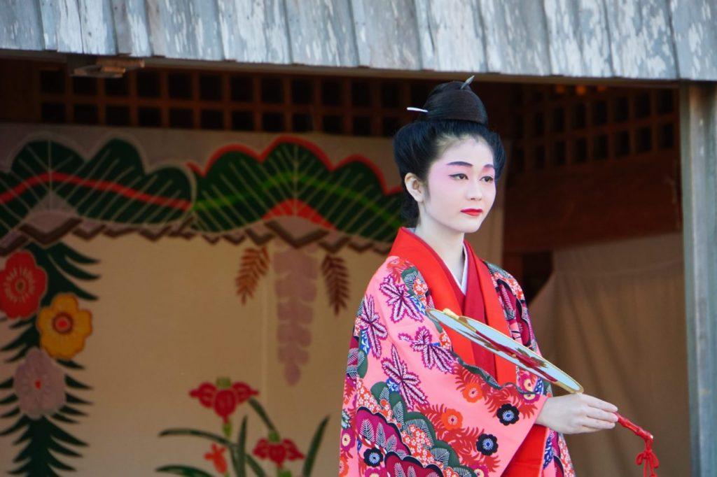 首里城での琉球舞踊