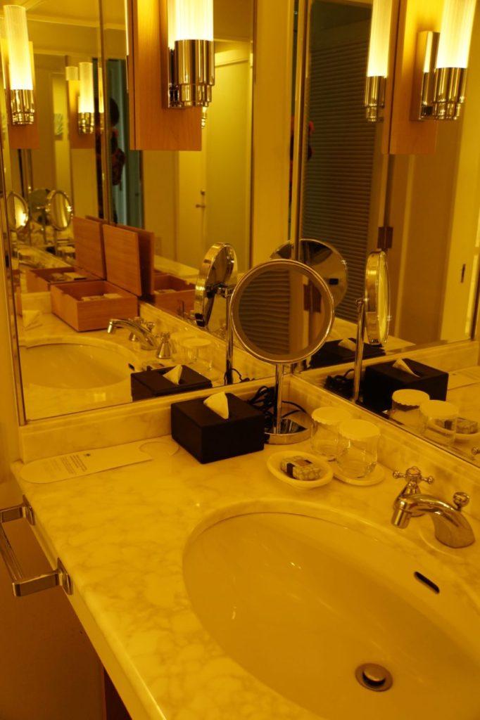 ANAインターコンチネンタル石垣リゾートの部屋の洗面台