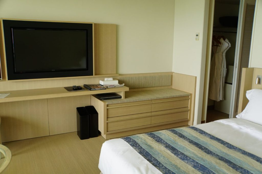 ANAインターコンチネンタル石垣リゾートの部屋のテレビ