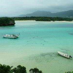 曇っててもわかる!川平湾の美しい海と小島