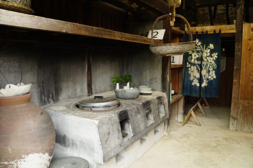 石垣島やいま村の家屋の台所
