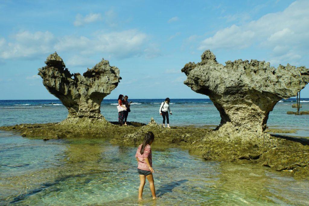 古宇利島ティーヌの透明な海とハートロック