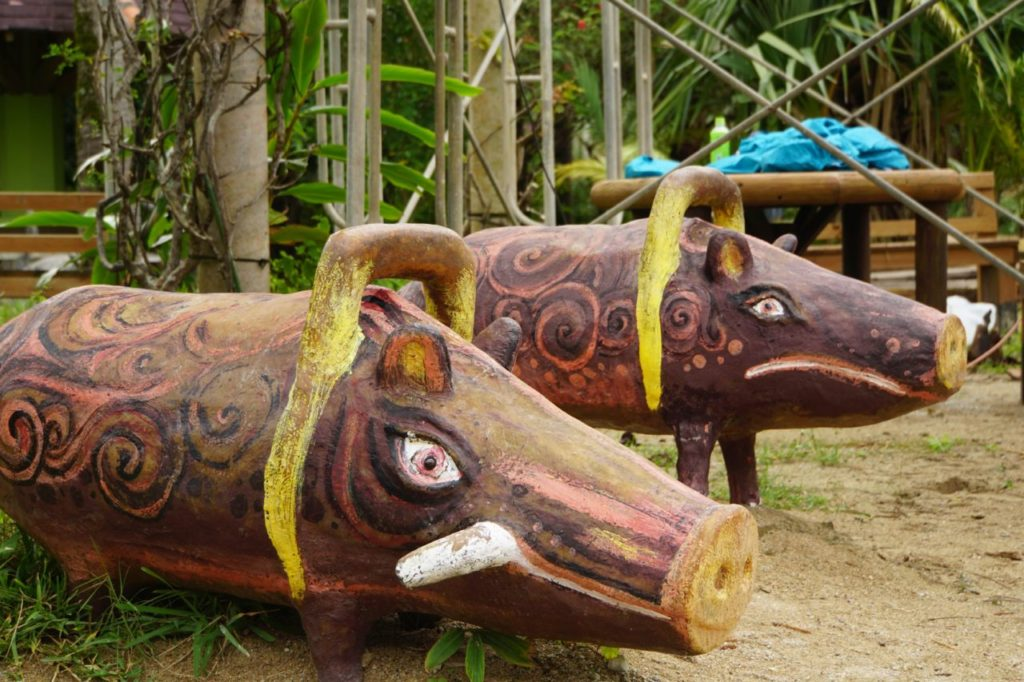 由布島の猪像