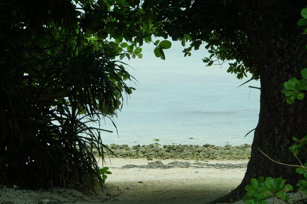 竹富島カイジ浜の入り口
