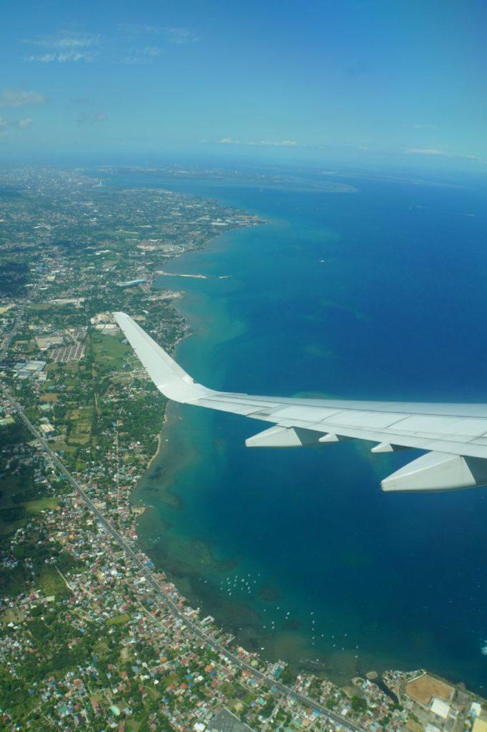 飛行機から見たセブ島とマクタン島