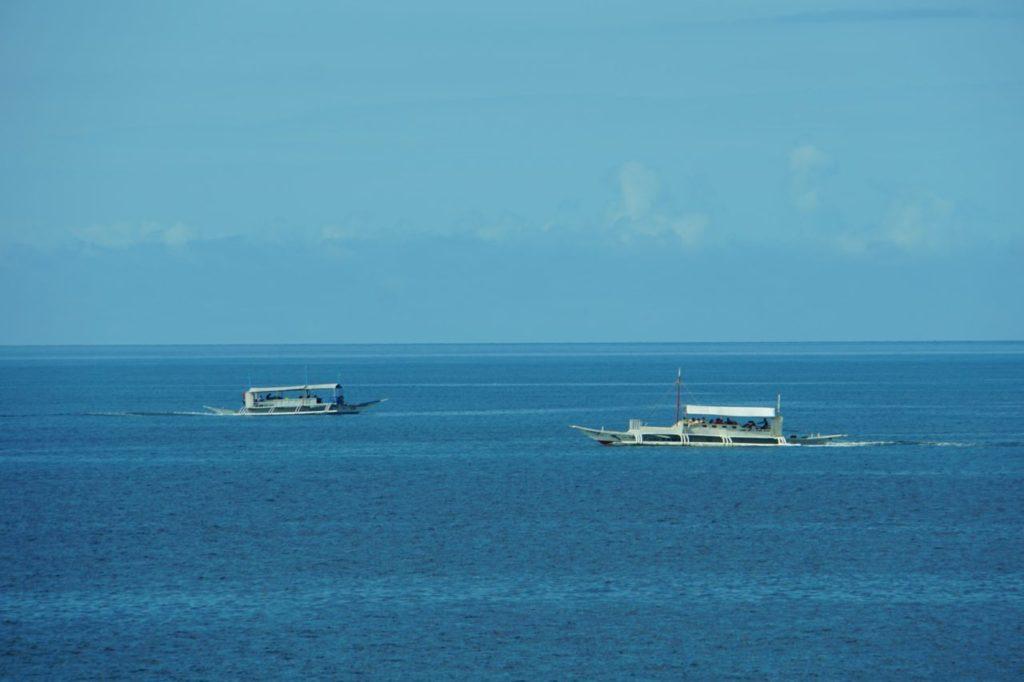 ノバビーチリゾートから見る海と船