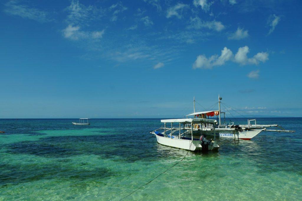 ノバビーチリゾートのダイビングボート