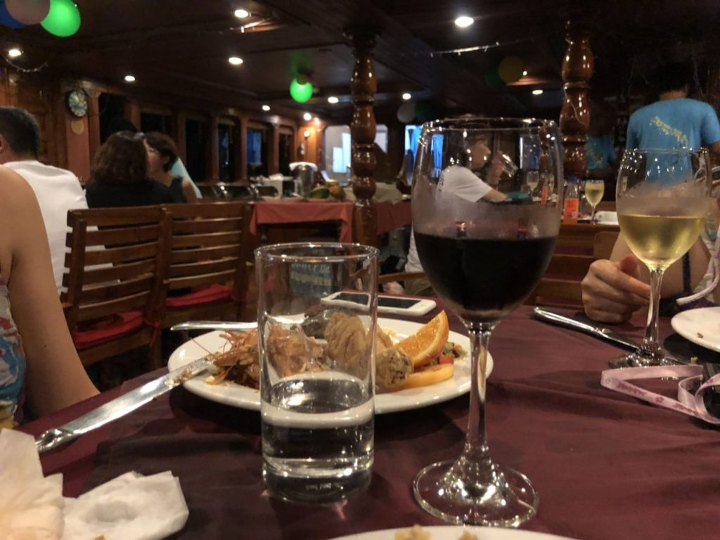 アイランドサファリで過ごした大みそかに振舞われたワイン