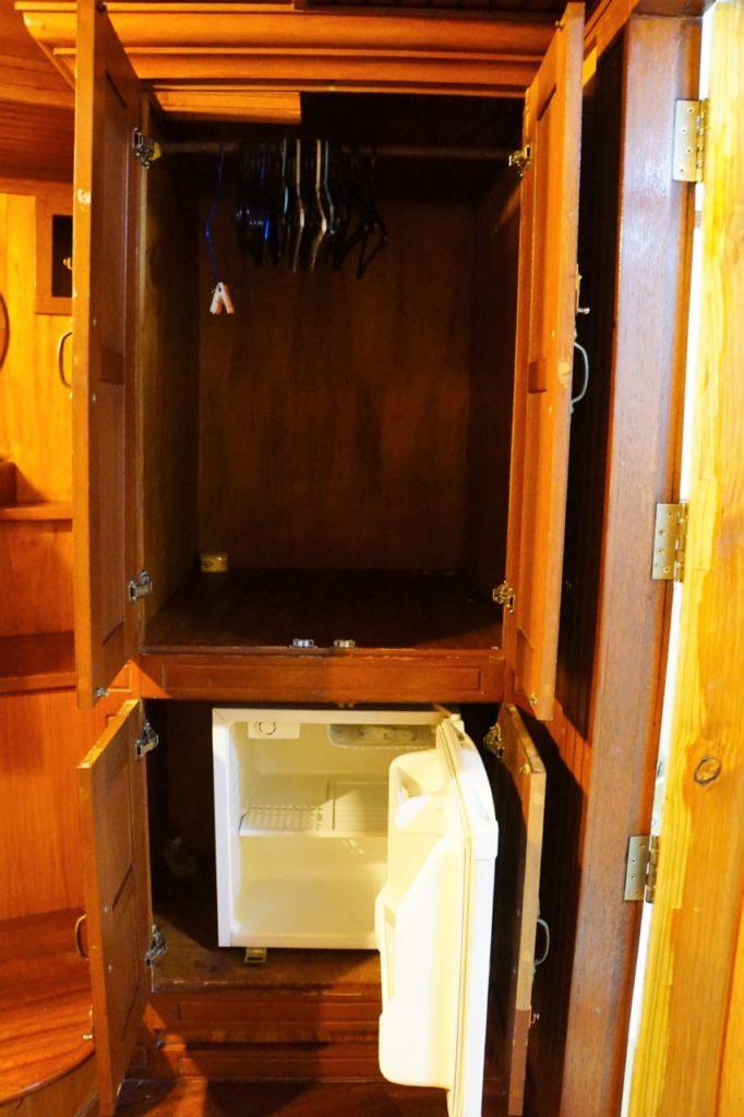 アイランドサファリの客室の冷蔵庫とクローゼット