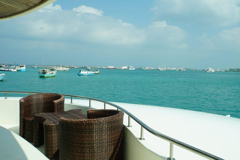 アイランドサファリから見るモルディブ・マーレの港