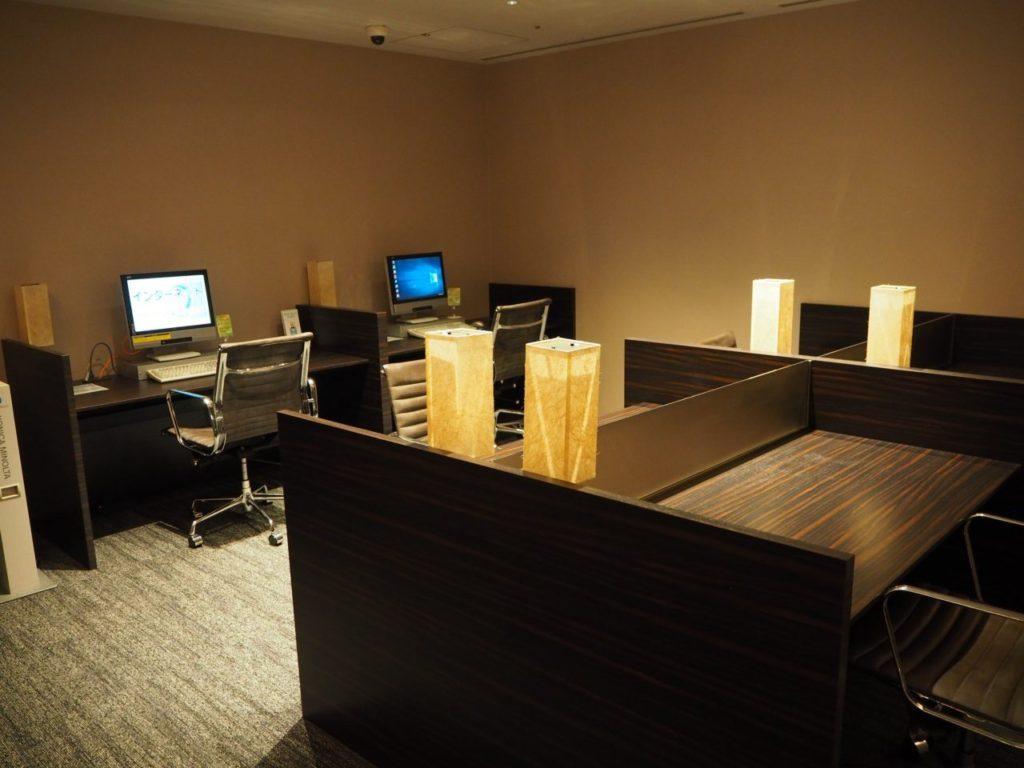 TIAT LOUNGE ANNEXのパソコン席