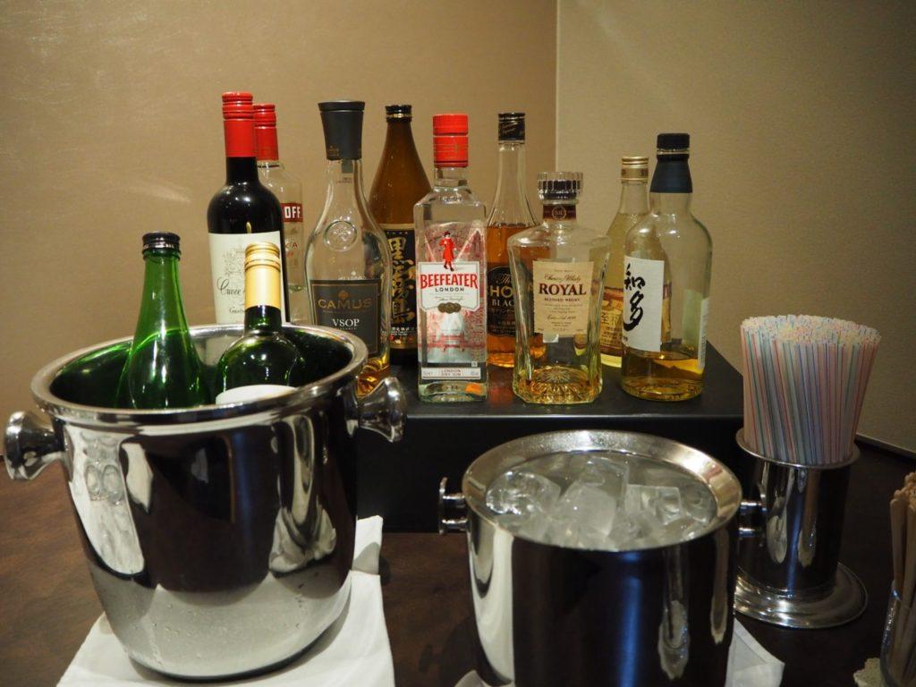 TIAT LOUNGE ANNEXのワイン、ウィスキー、日本酒、焼酎