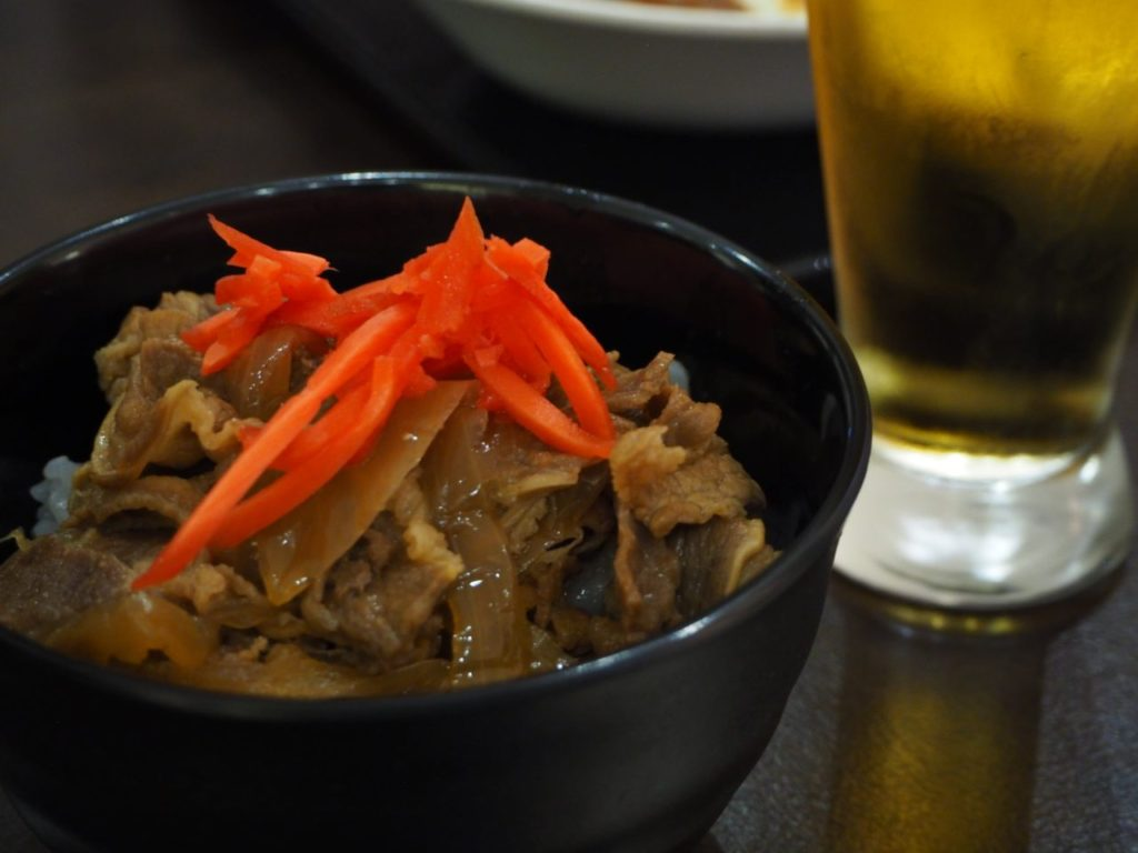 TIAT LOUNGE ANNEXで食べた牛丼