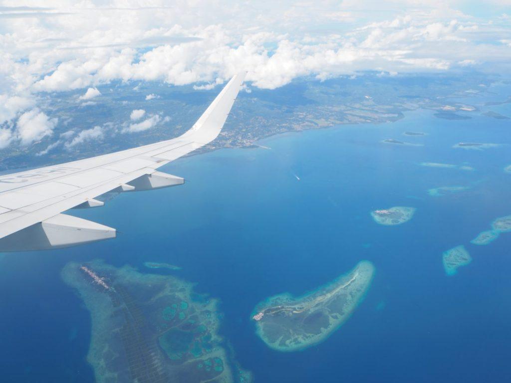 飛行機から見たボホール島の海岸線