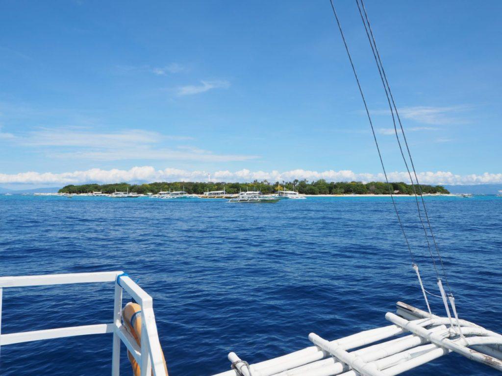 バリカサグ島の全景
