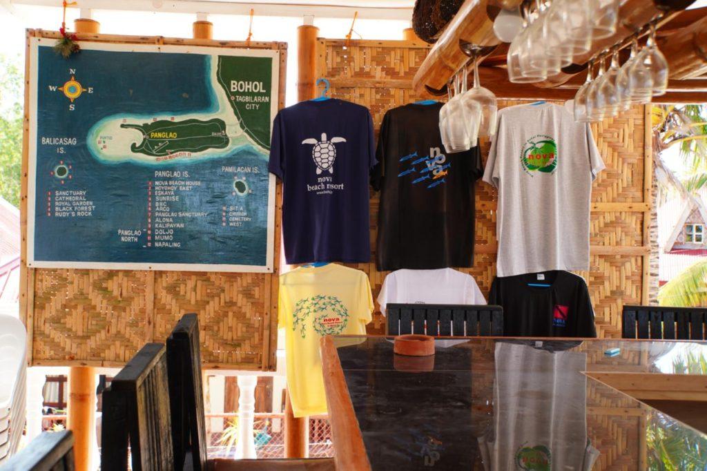 ノバビーチのTシャツ