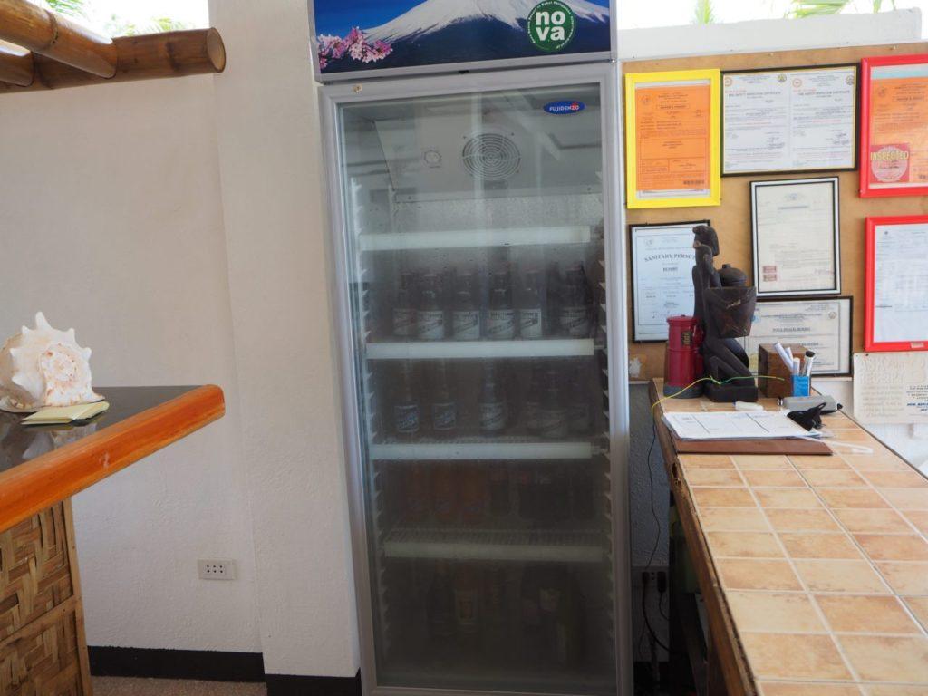 ノバビーチの冷蔵庫にあるたくさんのビール