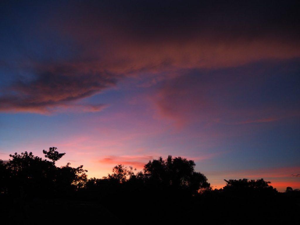 ノバビーチのレストランから見る美しい夕焼け