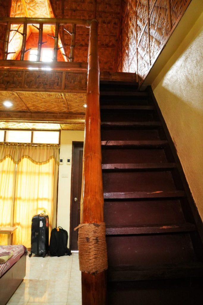 ノバビーチデラックスのロフトへの階段